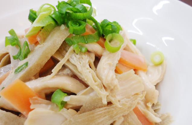 ごぼうと鶏ささ身のポン酢マヨ和え(2人分)